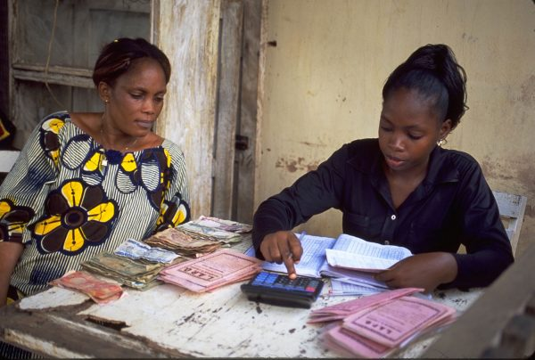 In Entwicklungs- und Schwellenländern sind Mikrokredite oft die einzige Möglichkeit, eine Geschäftsidee zu entwickeln. Die Pensionskasse der Landekirche investiert in diesem Bereich. | ©  pd