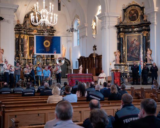 Begeisterne Klänge der Kleinformation BLÄCHSCHADE Luzern