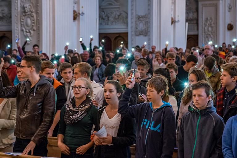 Beim Gottesdienst zur Eröffnung des Bistumsjugendtreffens, | © 2015 Roberto Conciatori