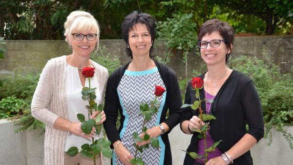 Sie haben als neue Katechetinnen die Fachausweise erhalten (von links): Monika Krummenacher-Schürmann, Gaby Gabriel und Denise Portmann Lässer.