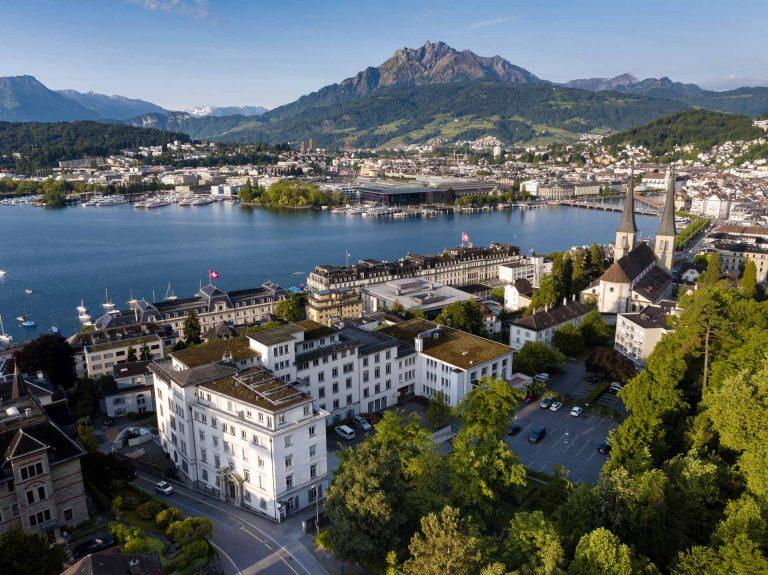 Die Liegenschaft St. Agnes am Abendweg 1 in Luzern. Hier hat die Landeskirche seit 1996 ihren Sitz. |  © 2017 air-view.ch