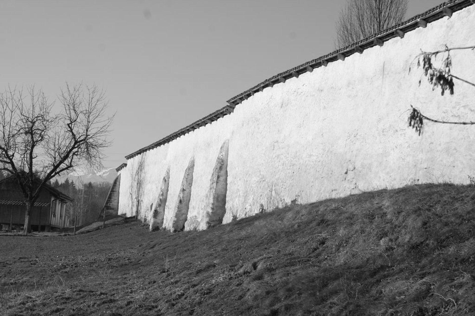 Bild Mauer Rathausen