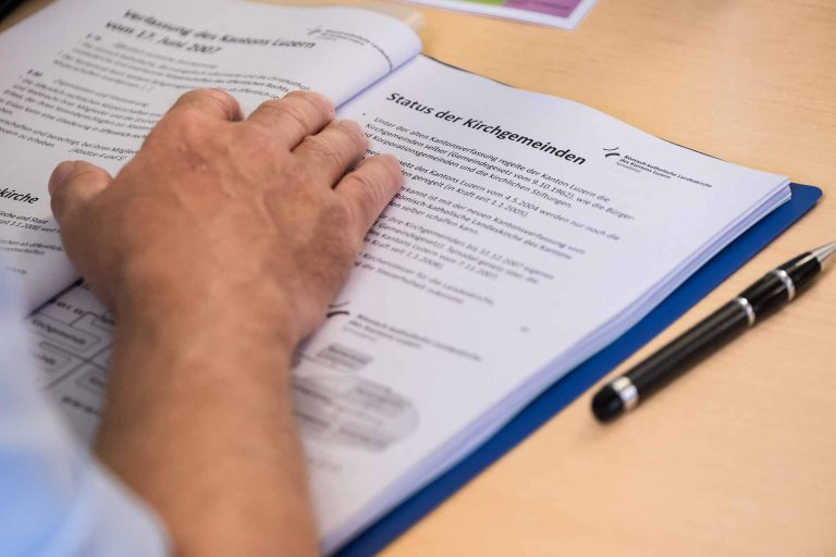 Kirchenrätinnen und -räte müssen sich mit vielen Themen und Rechtsfragen befassen: Momentaufnahme aus einem Einführungskurs für neue Mitglieder am 15. September 2018 | © 2018 Roberto Conciatori