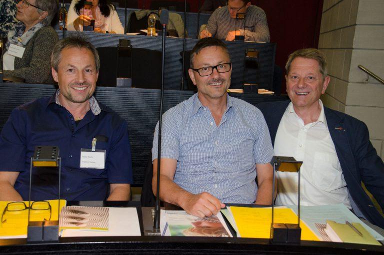 In einer Verhandlungspause: Martin Müller, Leo Elmiger und Paul Berger (von links). | © 2016 Dominik Thali