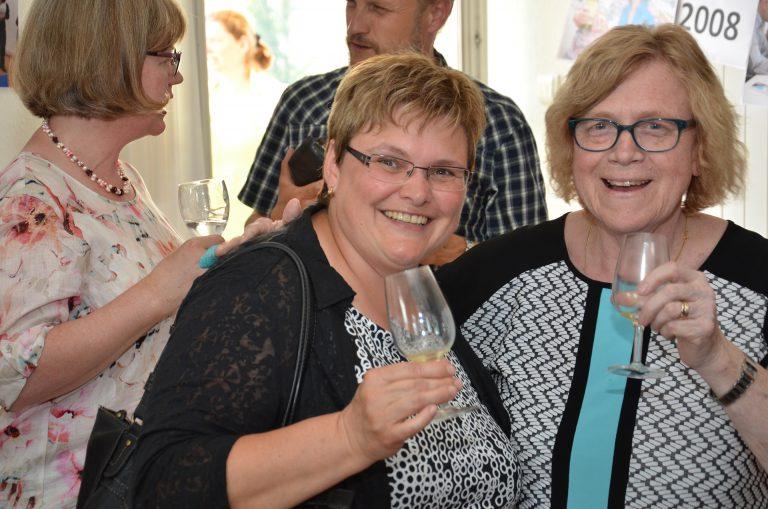 Synodalrätin Annegreth Bienz (links) und Trudi Bättig (Finanzverwalterin). | © 2016 Dominik Thali