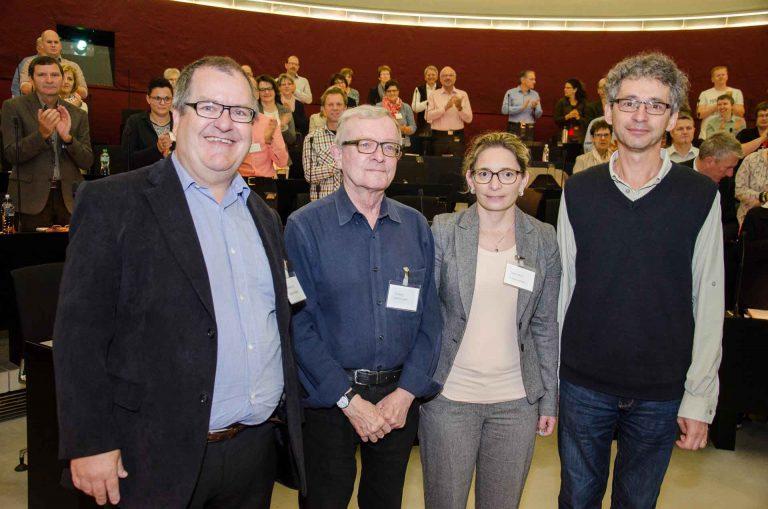 Sie wurden als neue Mitglieder der Synode vereidigt (von links): Urs Ebnöther (Rothenburg), Emil Banz (Luzern), Susan Schärli (Beromünster) und Lukas Briellmann (Root). | © 2016 Dominik Thali