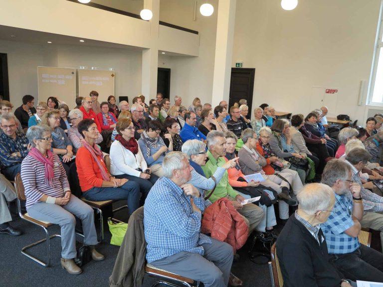 Eine bunte Vielfalt von Glaubenserfahrungen: die Teilnehmenden der Impulstagung in der Klosterherberge Baldegg. | © 2016 Walter Ludin