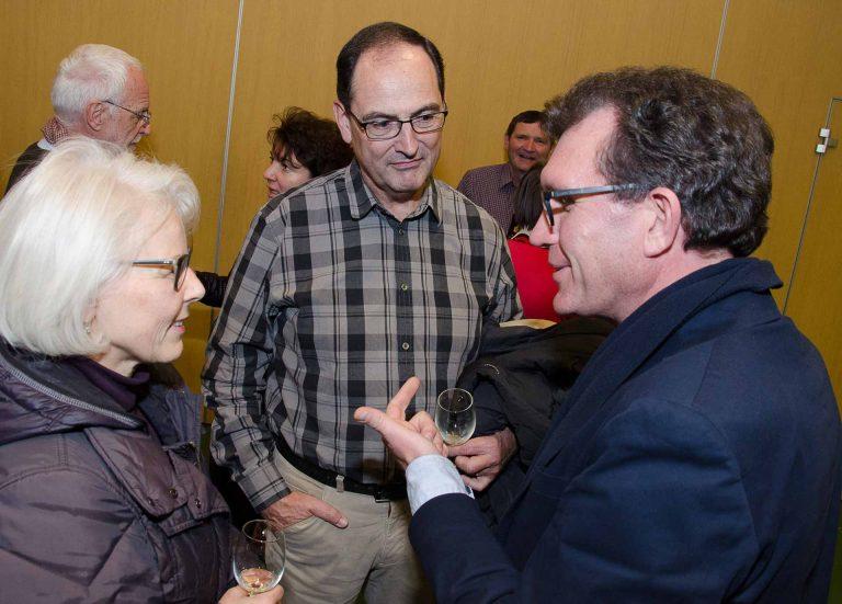Von links: Priska Heer (Kirchmeierin von Hitzkirch), Werner Peter (Kirchenrat in Hitzkirch) und Guido Estermann (Kirchgemeindepräsident von Kriens). | © 2016 Dominik Thali
