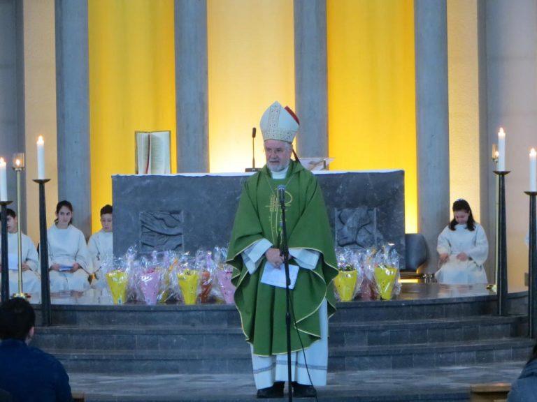 Bischof Giancarlo Bregantini im Gottesdienst. | © 2017 Missione Cattolica