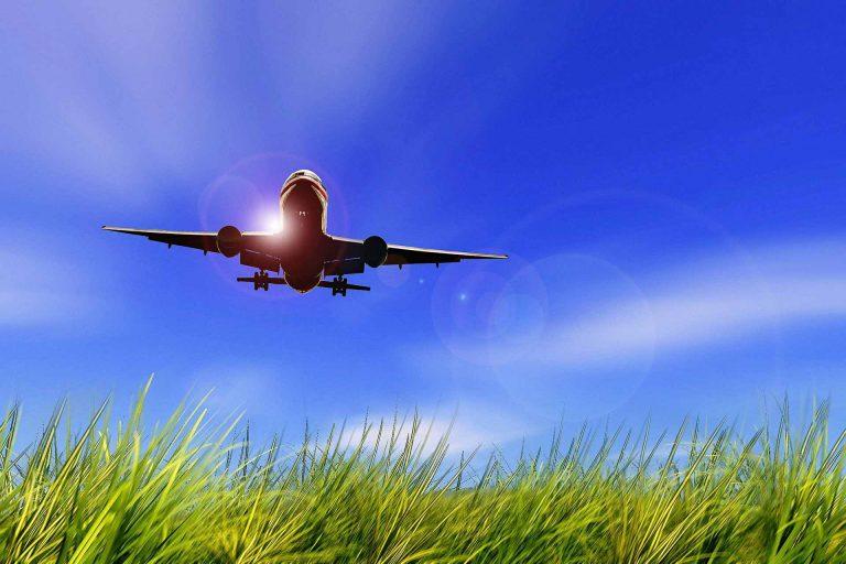 Es gibt umweltverträglichere Verkehrsmittel für die Ferienreise als das Flugzeug... | Bild: pixabay.com (CC0 Public Domain)