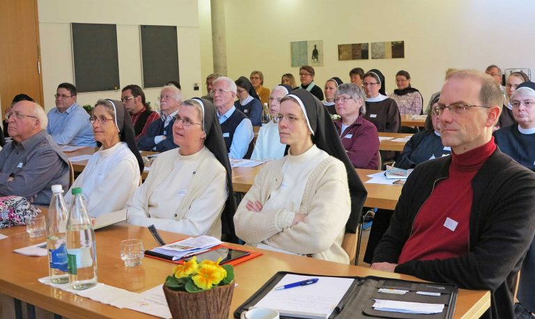 Aufmerksame Zuhörerinnen und Zuhörer: Am Forum für Berufungspastoral 2018 am 29. Januar im Romerohaus in Luzern. | © 2018 Walter Ludin