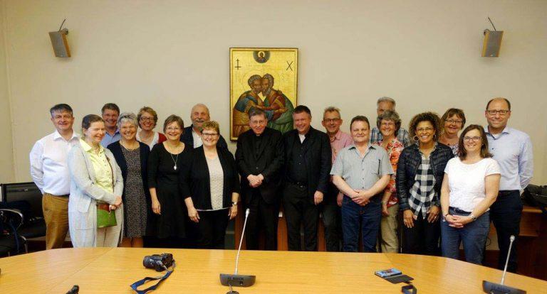 Die Luzerner Delegation zu Gast bei Kardinal Kurt Koch.