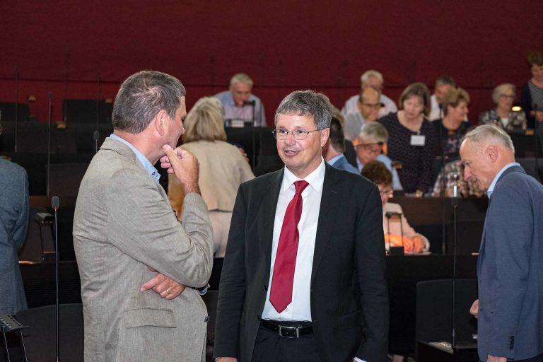 Franz Erni (Hohenrain, links) im Gespräch mit Synodalrat Thomas Trüeb (Meggen). | © 2018 Gregor Gander