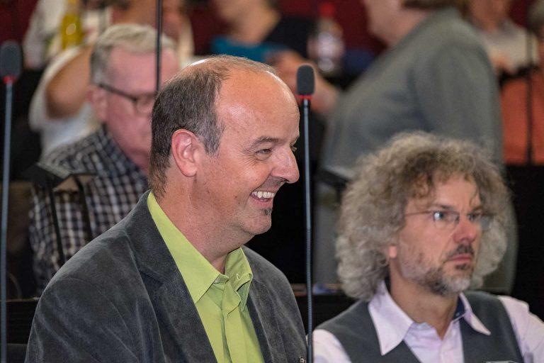 Die Synodalen Bruno Fluder (links) und Jürgen Rotner von der Fraktion Luzern. | © 2018 Gregor Gander