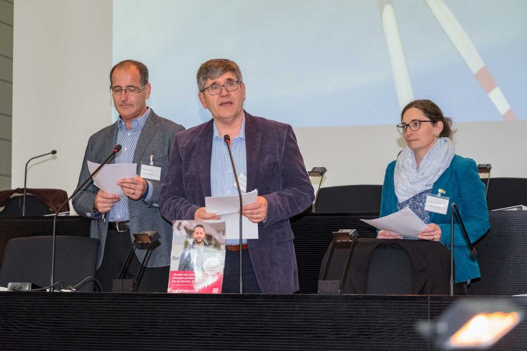 Bei der Einstimmung: Stefan Schmitz (Mitte), Erich Hausheer (Rain) und Susan Schärli (Beromünster) von der Fraktion Hochdorf. | © 2018 Gregor Gander