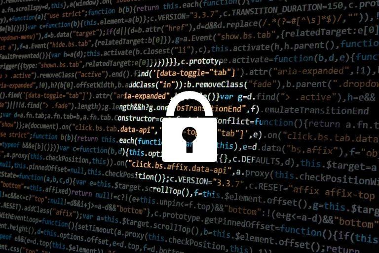 Datenschutz ist ein hohes Gut. Auch die Kirche muss sich daran halten.  | Bild: pixabay.com/de/users/typographyimages