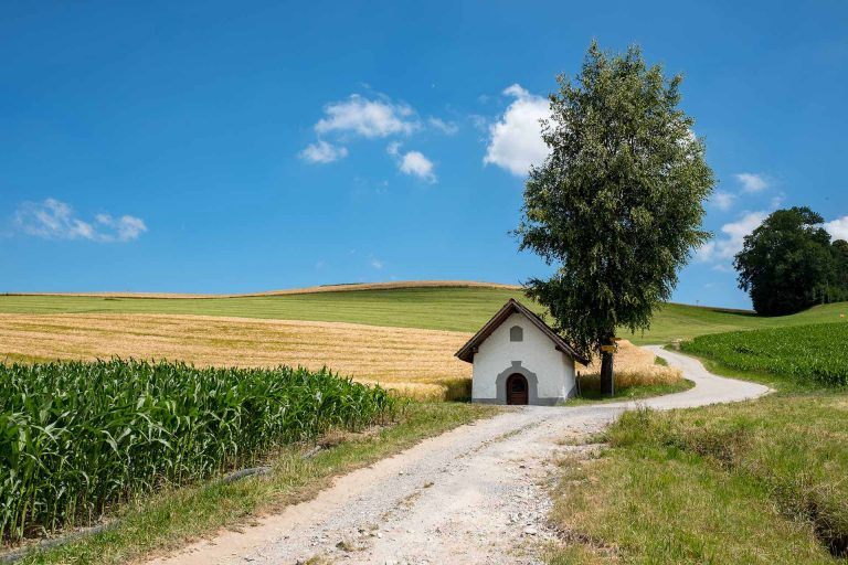 Ein Kleinod auf der Luzerner Kulturlandschaft: die Landgerichtskapelle in Buholz, Gemeinde Ruswil. | © 2018 Gregor Gander