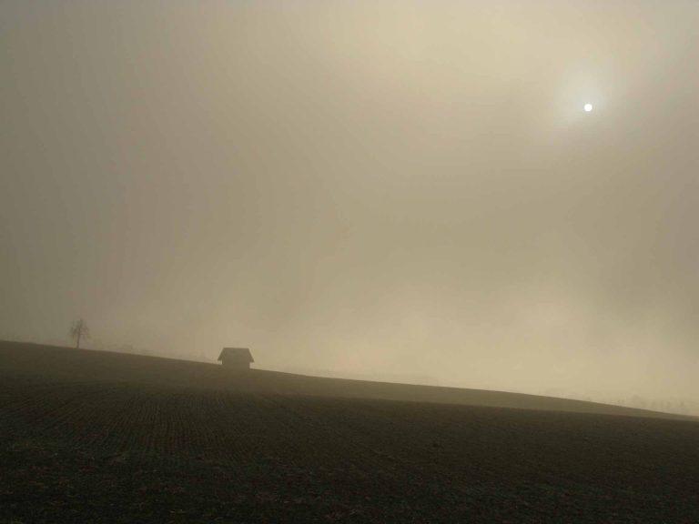 Wie wenn die Sonne sich verdunkelte: Ein Kind zu verlieren, stellt alles Leben in Frage. | © 2012 Dominik Thali