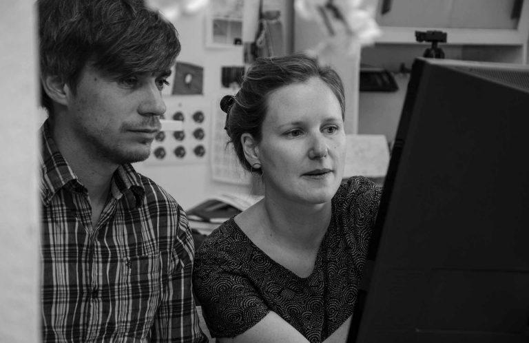 Ein dual starkes Team – Nils Hedinger und Antonia Meile konzentriert bei der Arbeit. | © 2018 Fleur Budry