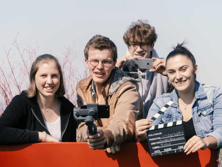 YouTube-Blogger aus Lachen: Marina Zuber, Benedikt Arndgen, Simon Bünter und Diellza Gojani (von links) engagieren sich bei underkath.ch | 2019 pd