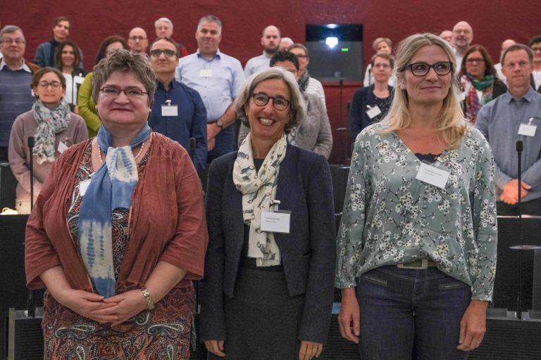 Sie wurden als neue Mitglieder der Synode vereidigt (von links): Elisabeth Bammert (Luzern), Irène Studer-Rohr (Luzern) und Pia Brüniger (Nottwil).| © 2019 Dominik Thali