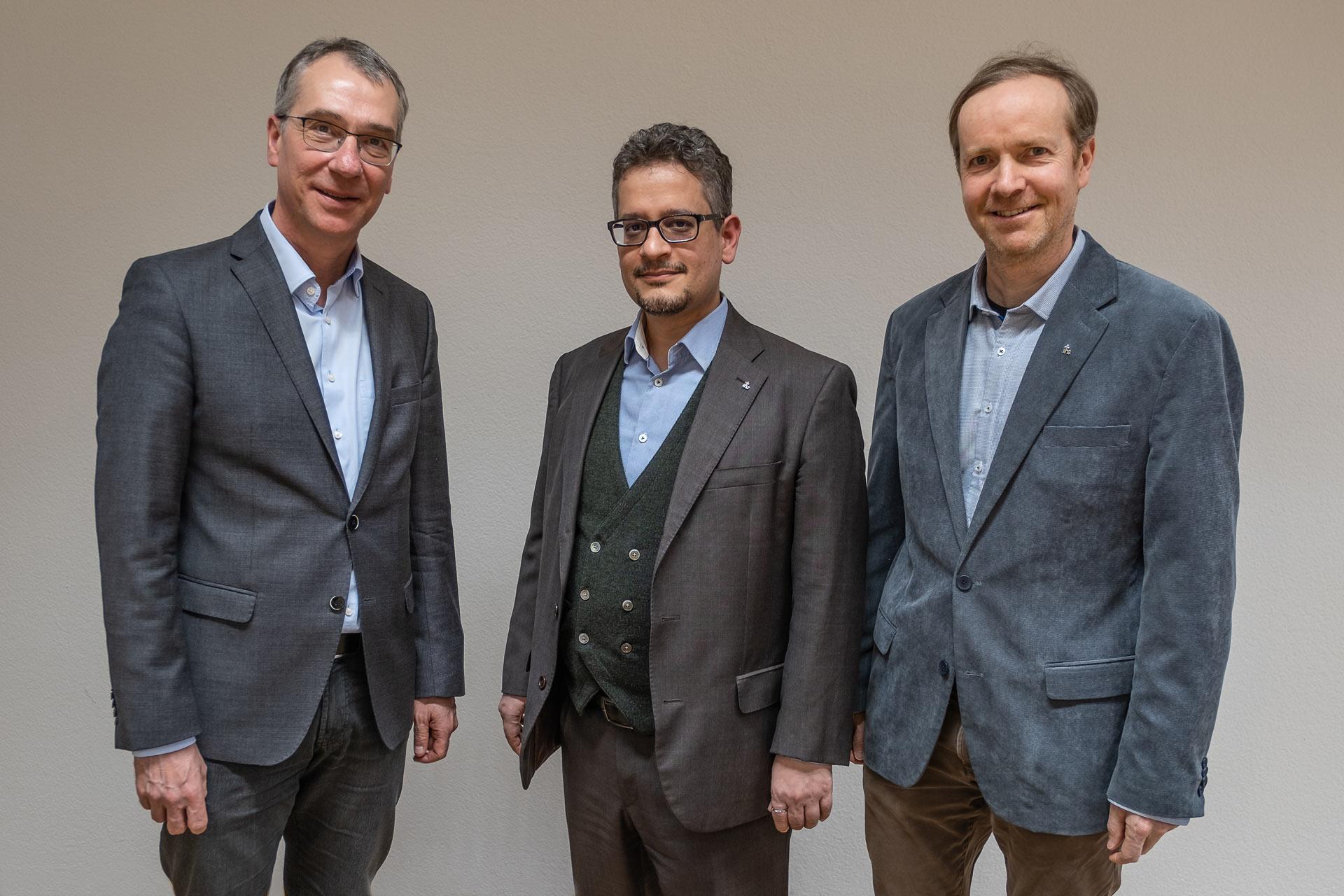 Der bisherige Hochschulseelsorger Andreas Schalbetter (rechts) und seine Nachfolger Valerio Ciriello (Mitte) und Wilfried Dettling. | © 2020 Dominik Thali