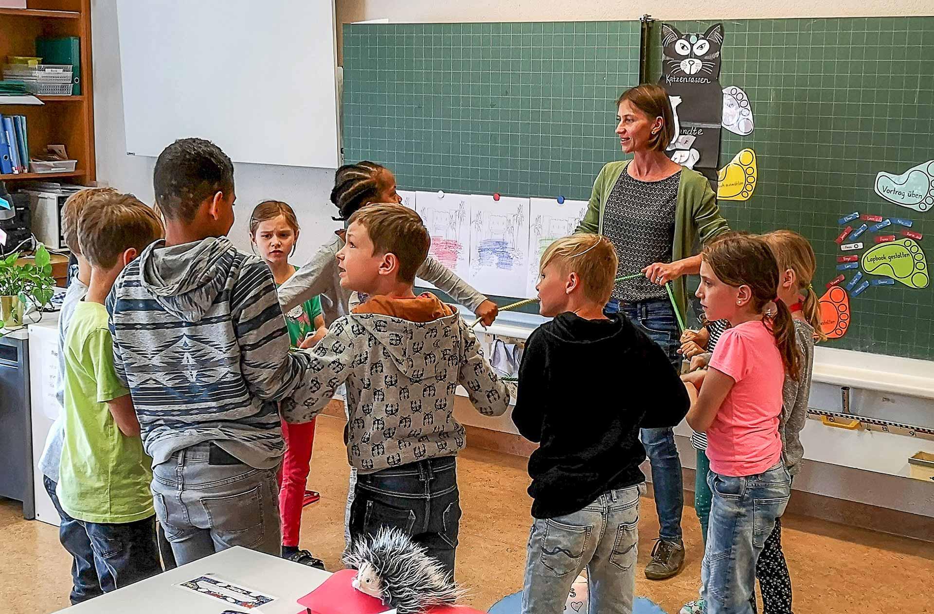 Im Religionsunterricht von Anna Brun in Buchrain. Sie war eine von neun Teilnehmenden der Berufseinführung. | © Urs Stadelmann