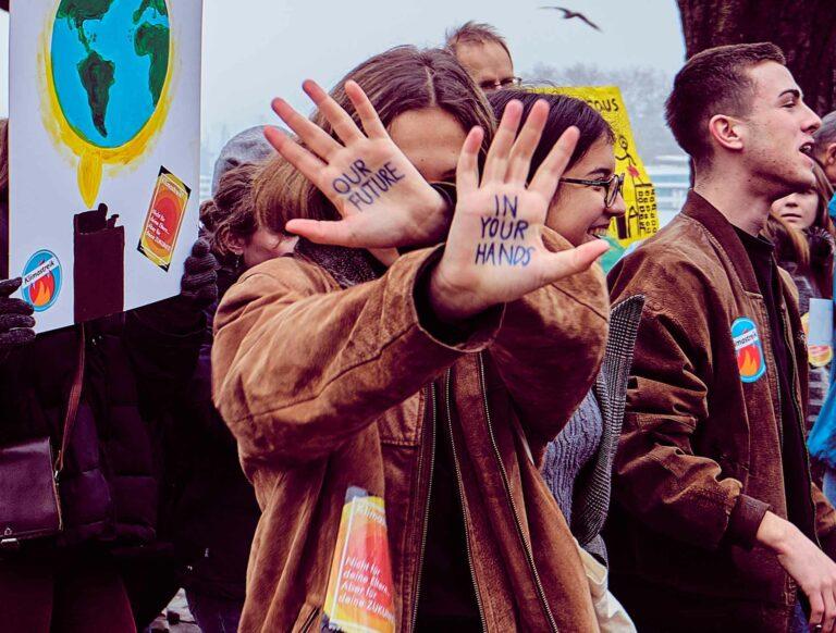Wer hat eigentlich die Zukunft in der Hand? Climate March am 2. Februar 2019 in Luzern. | © 2019 Mario Stankovic
